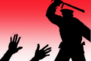 Καταγγέλλουν ότι αστυνομικός ξυλοκόπησε μετανάστη